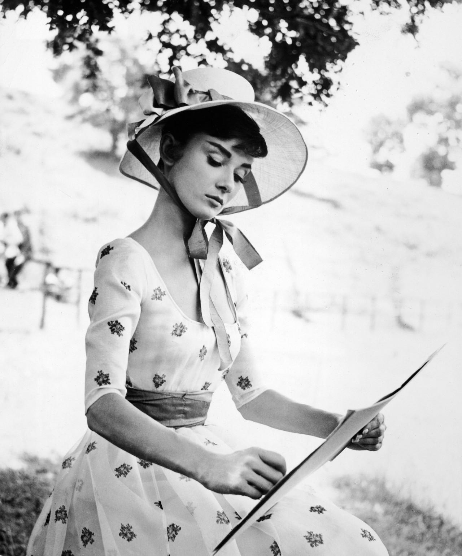 Одри Хепбёрн на съемках «Войны и мира» в роли Наташи Ростовой, 1956