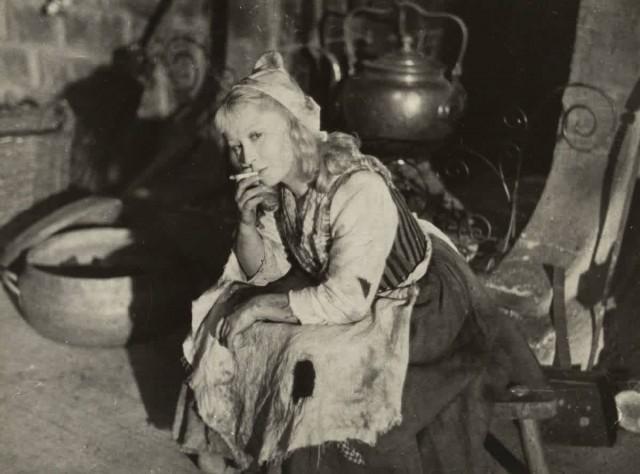 Янина Жеймо на съёмках сказки «Золушка», 1947 год