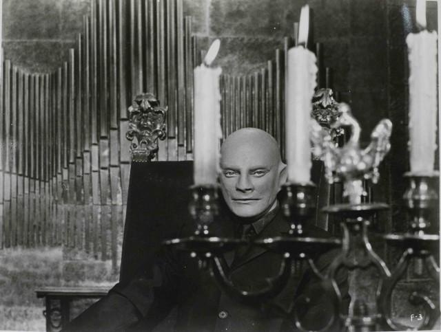 Жан Маре в образе неуловимого преступника, «Фантомас», 1964