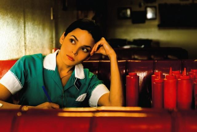 Нора Джонс в фильме «Мои черничные ночи» режиссёра Вонга Карвая, 2007