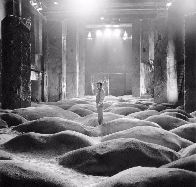 Андрей Тарковский на съёмках фильма «Сталкер», 1978