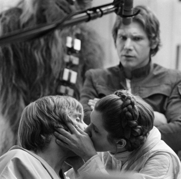 Марк Хэмилл, Кэрри Фишер и Харрисон Форд на съёмках фильма «Звёздные войны. Эпизод V: Империя наносит ответный удар», 1980