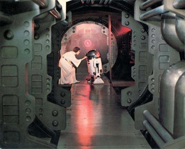 Кэрри Фишер в «Звёздных войнах» Джорджа Лукаса, 1977
