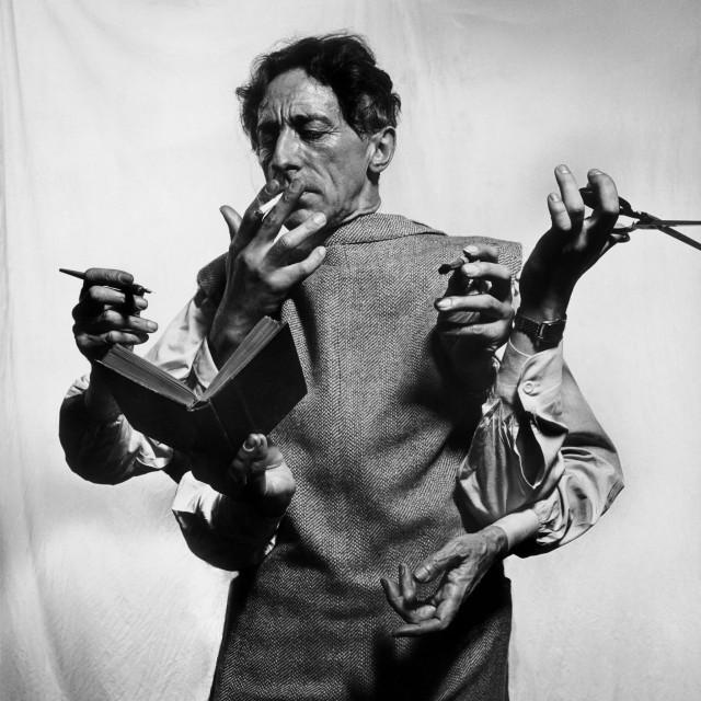 Художник, сценарист и кинорежиссёр Жан Кокто, 1949. Фотограф Филипп Халсман