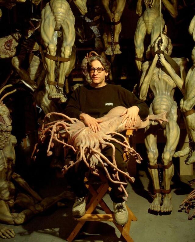 Дэвид Кроненберг на съёмках фильма «Обед нагишом», 1991