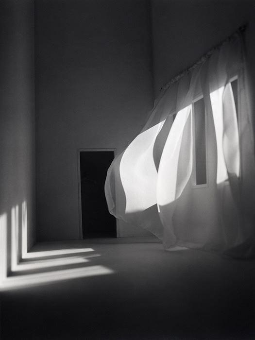 Занавеска, 2001. Фотограф Маюми Терада