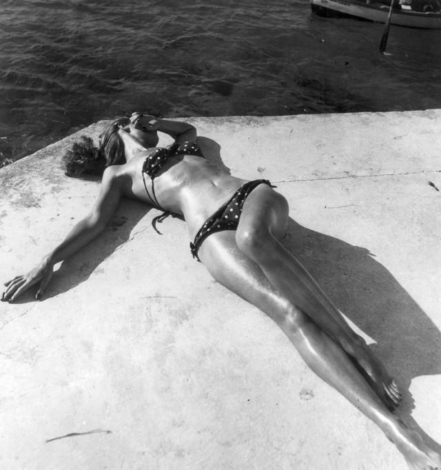Первое бикини, 1946. Фотограф Тони (Антуанетта) Фрисселл