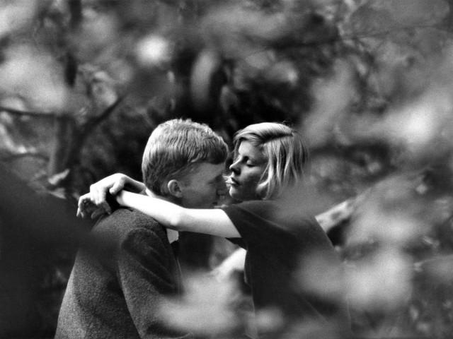 «Любовь в Париже», 1962. Фотограф Йохен Блюме
