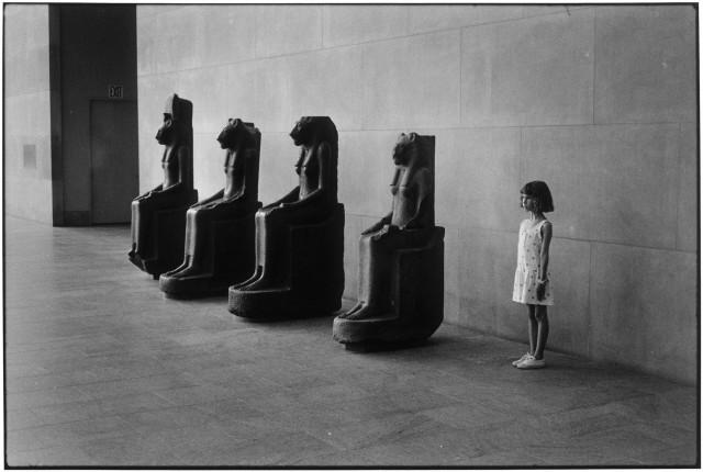 Экспонаты, Нью-Йорк, 1988. Фотограф Эллиотт Эрвитт
