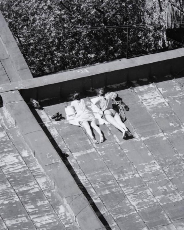 На крыше, Санкт-Петербург, 1997. Фотограф Владимир Антощенков