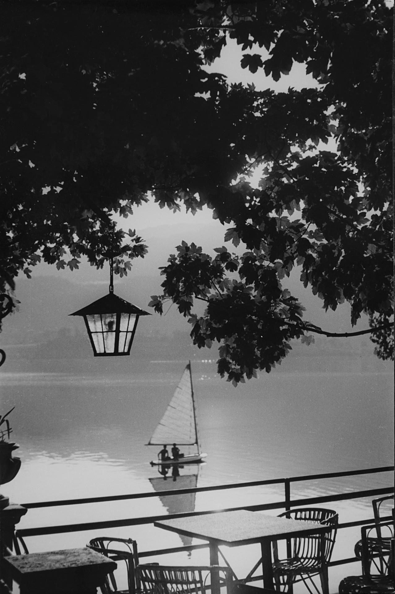 На озере, 1947. Фотограф Риккардо Монкальво