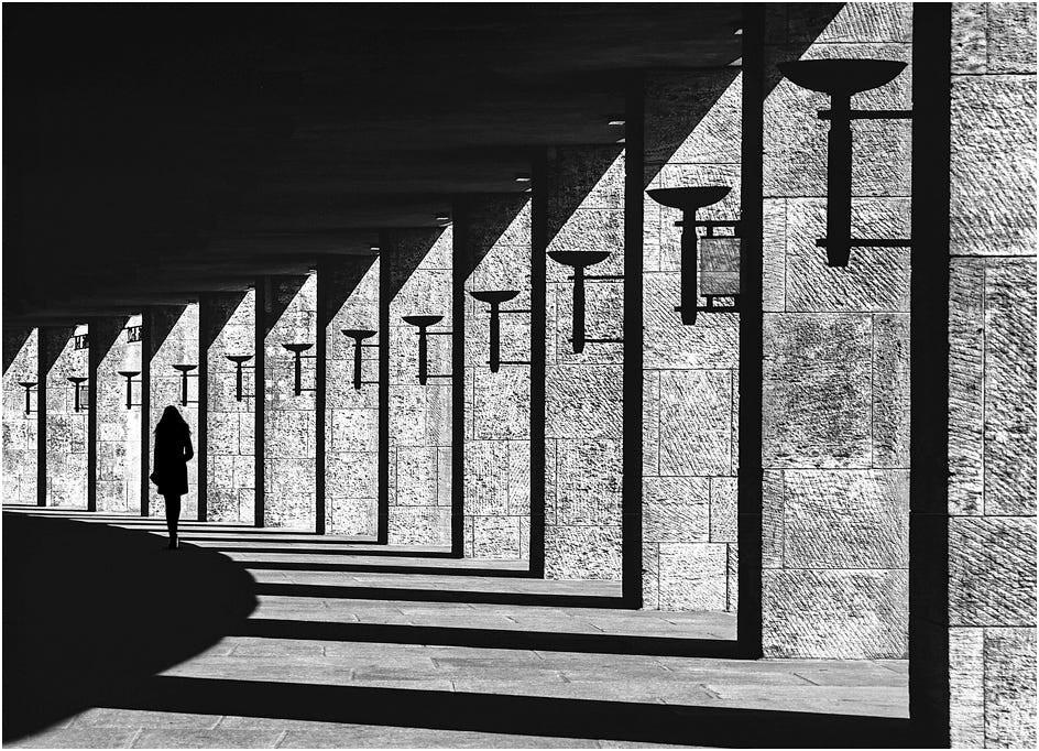 Ритм света и тени. «Олимпиаштадион», Берлин. Фотограф Kai Ziehl