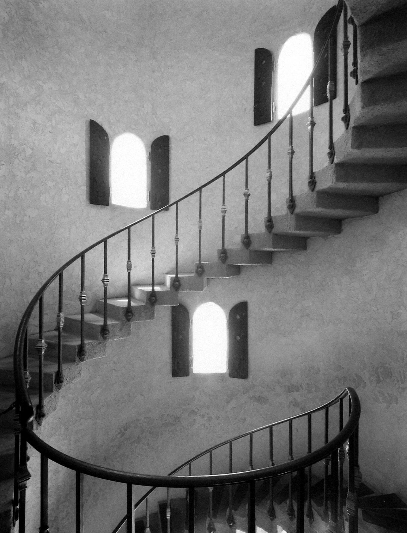 Башенная лестница. Замок Скотти, Долина Смерти, 1986. Фотограф Марк Ситрет