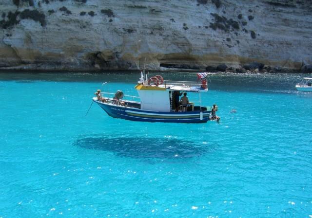 «Парящая лодка». Фотограф Доменико Формичелла