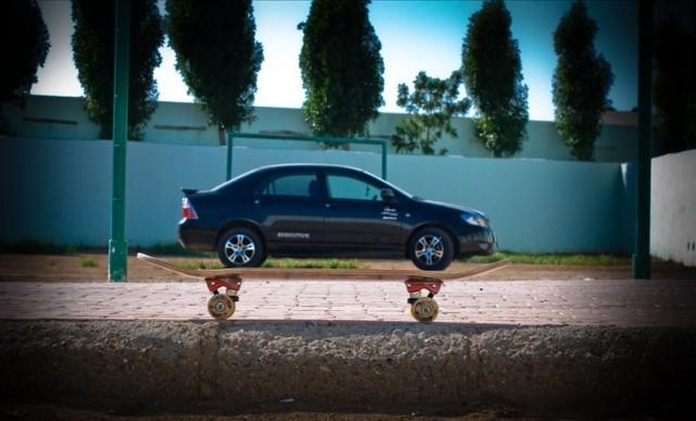 «Авто на роликовой доске». Фотограф Элди Тендеро