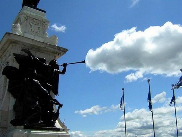Игра с облаками. Фотограф Квинтезе Соррелл