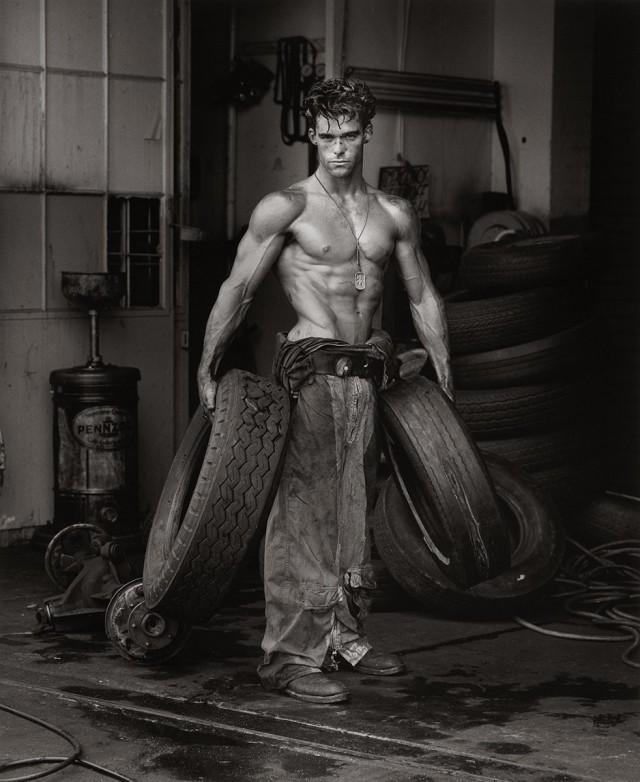 Фред с шинами, Голливуд, 1984. Автор Герб Ритц