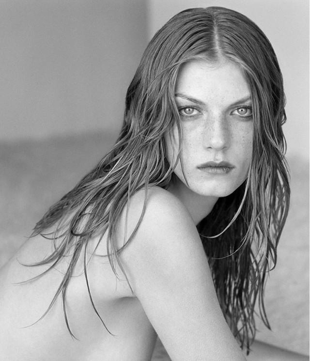 Анджела Линдвалл, 1999. Фотограф Герб Ритц
