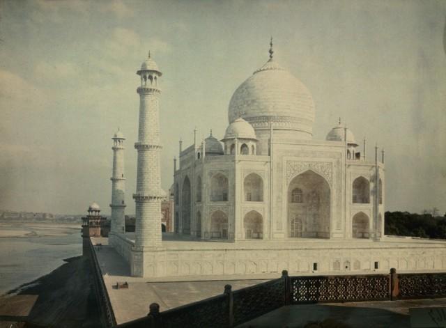 Тадж-Махал на берегу реки Джамна, Агра, Индия, 1923. Автохром, фотограф Жюль Жерве-Куртельмон