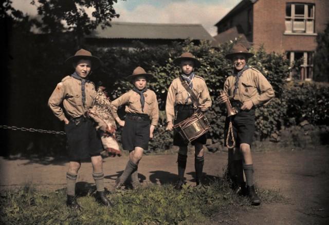 Бойскауты в Суррее, Англия, 1932. Автохром, фотограф Клифтон Р. Адамс