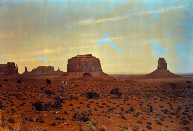 Долина монументов на границе Юты и Аризоны, 1925. Автохром, фотограф Эдвин Л. Вишерд