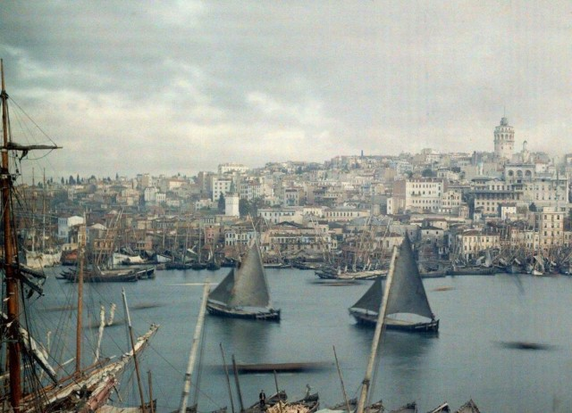 Залив Золотой Рог в Константинополе (современный Стамбул). Автохром, фотограф Жюль Жерве-Куртельмон