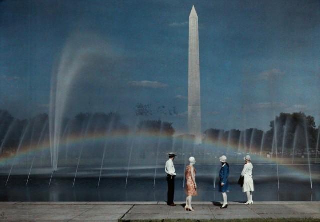 Монумент Вашингтону, 1935. Автохром, фотограф Джейкоб Дж. Гейер