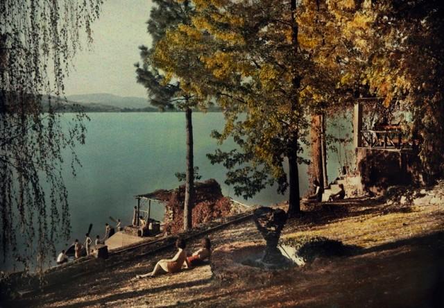 Отдых на озере в Спокане, штат Вашингтон, 1932. Автохром, фотограф Клифтон Р. Адамс