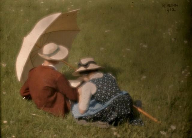 Уолтер и Эдельтруда, 1912. Автохром, фотограф Генрих Кюн