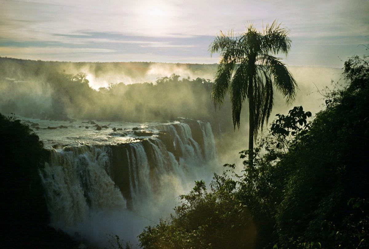 Водопады Игуасу, Бразилия – Аргентина, 1960. Автор Мартин Карплус