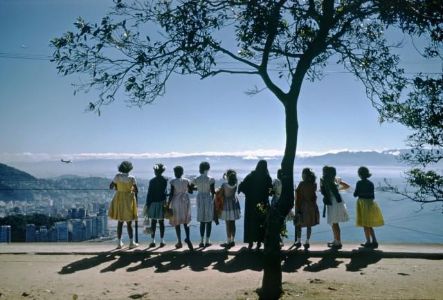 Вокруг света с Kodachrome – мир 1950-60-х в фотографиях Мартина Карплуса
