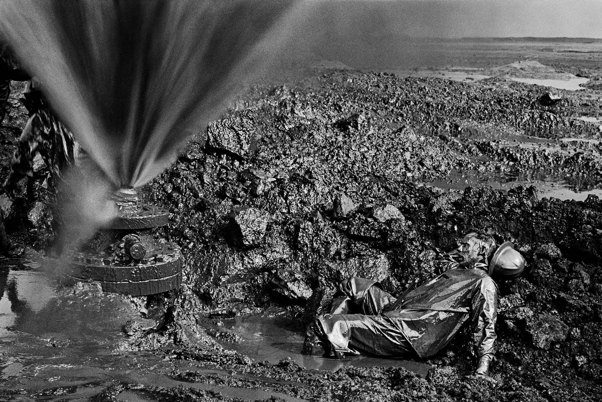 Нефть, Кувейт, 1991. Автор Себастьян Сальгадо