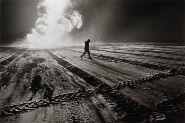 Нефтяные скважины, Кувейт, 1991. Автор Себастьян Сальгадо