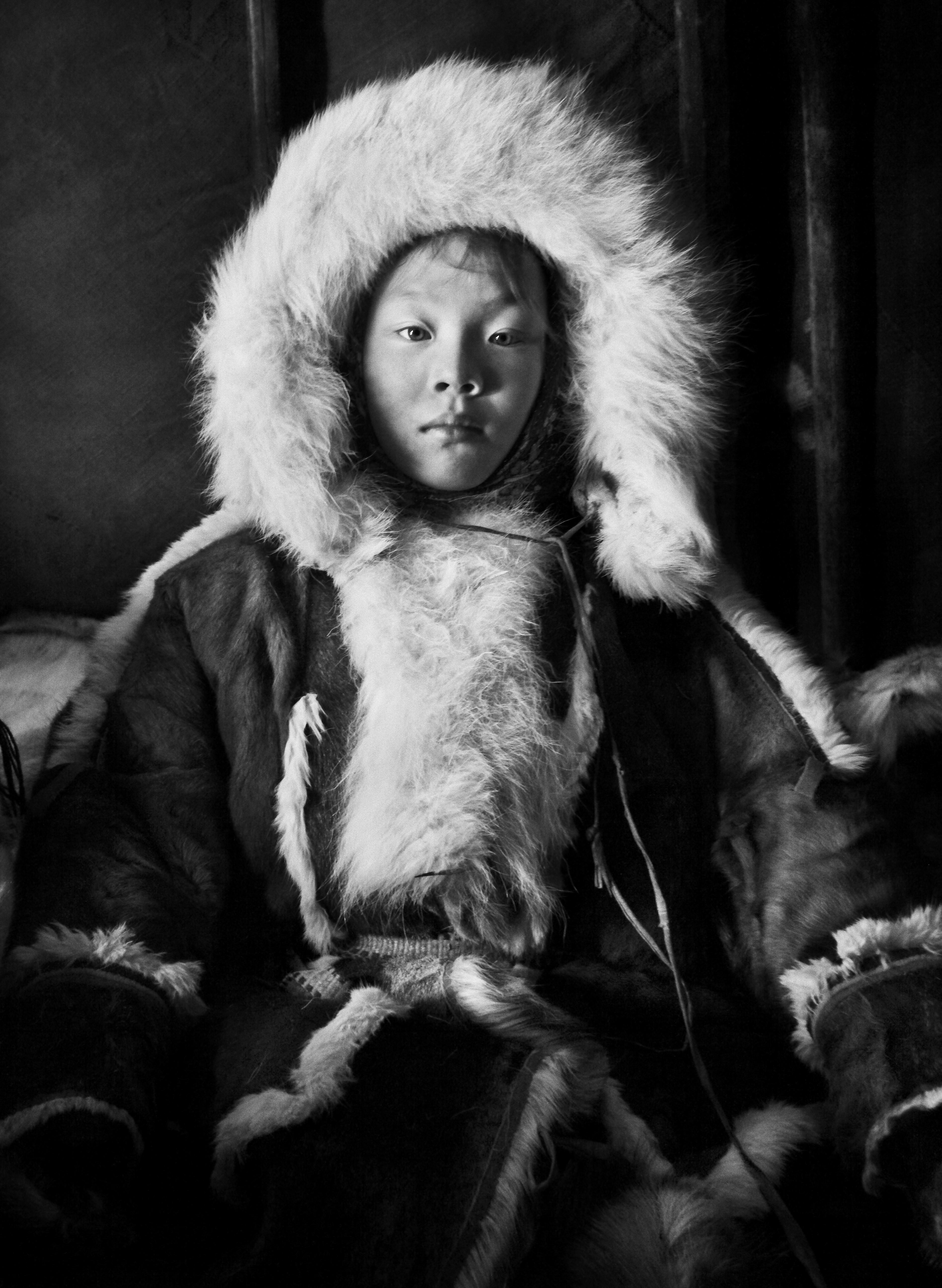 Ненецкая девочка, полуостров Ямал, Сибирь, Россия, 2011. Автор Себастьян Сальгадо