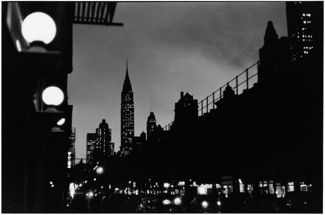 Вечерний Нью-Йорк, 1955. Автор Эллиотт Эрвитт
