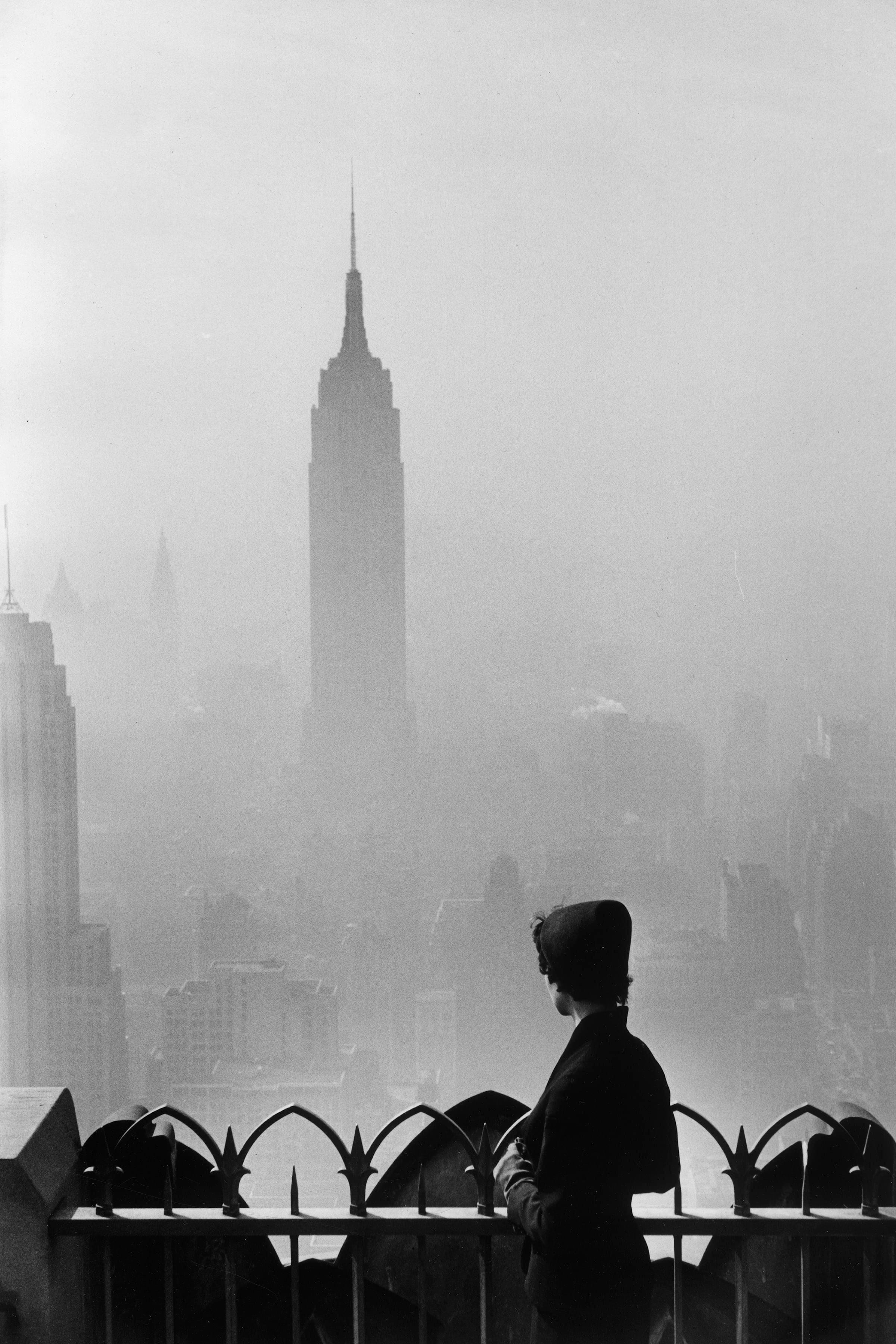 Эмпайр-стейт-билдинг, Нью-Йорк, 1955. Автор Эллиотт Эрвитт