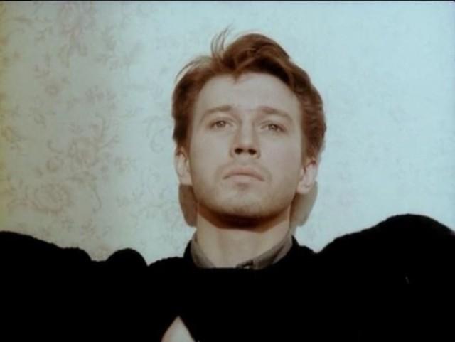 Кадр из фильма Любовь, 1991 год. Режиссёр Валерий Тодоровский (25)