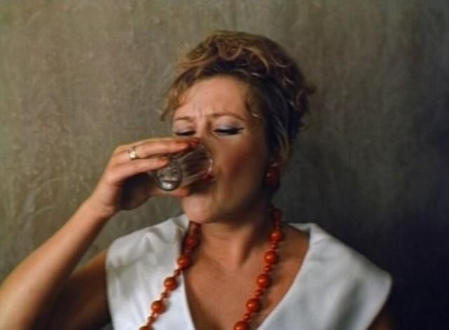 Кадр из фильма Облако-рай, 1990 год. Режиссёр Николай Досталь (35)