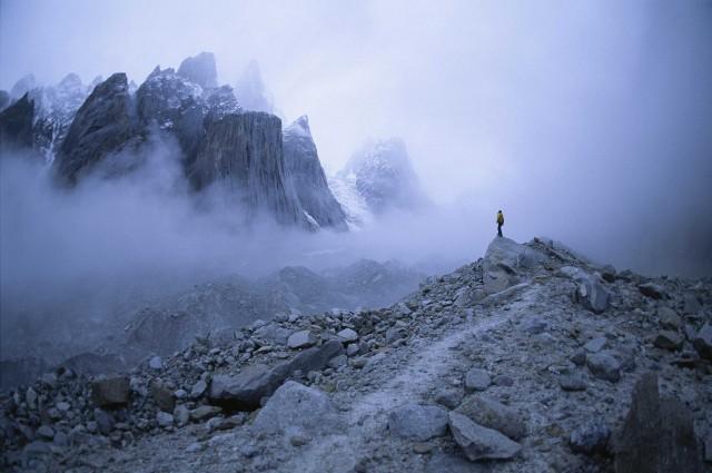 Скальный массив Башни Транго в горной системе Каракорум, Пакистан, 1995. Фотограф Билл Хэтчер