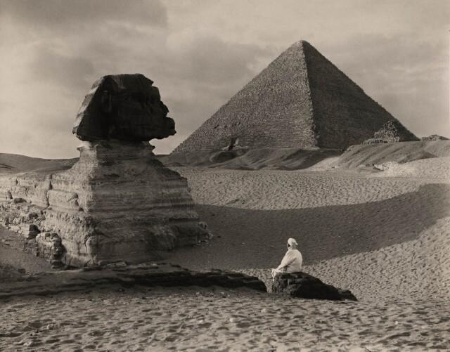 Большой сфинкс в Гизе, Египет, 1921. Фотограф Дональд Маклиш