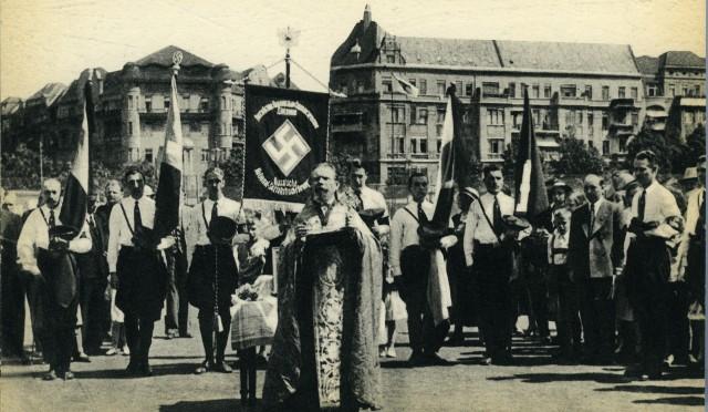 «Берлин»: уникальная фотокнига 1930-х годов, где реальность страннее вымысла