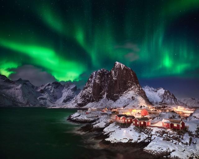 «Огни». Хамнёй, Норвегия. Автор Андреас Эттль