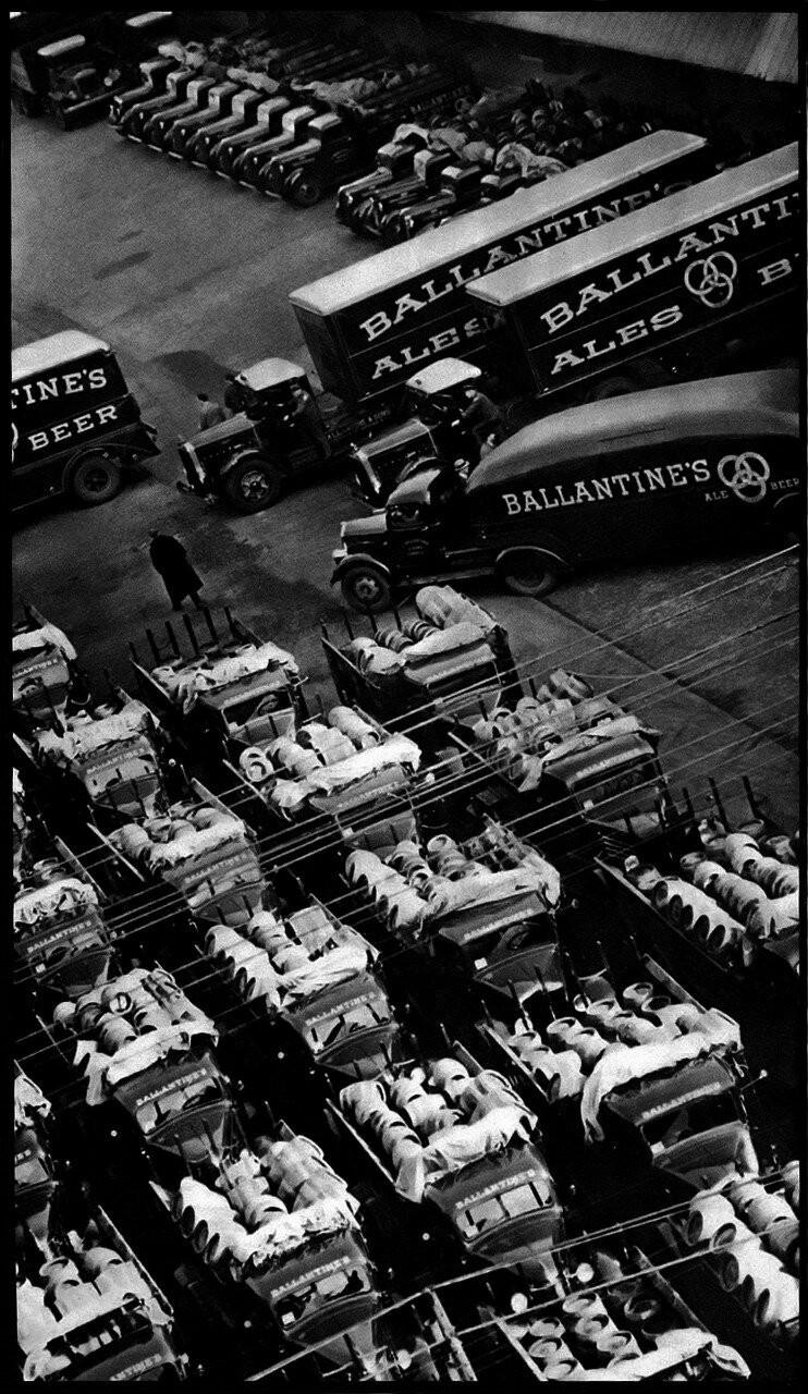 Пивоварня Ballantines, 1938. Автор Беренис Эббот