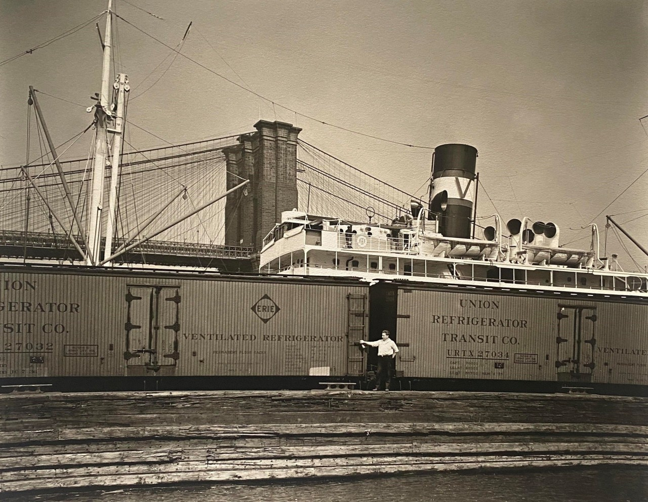 Порт с 19-го пирса, Ист-Ривер, Манхэттен, 12 августа 1936. Автор Беренис Эббот