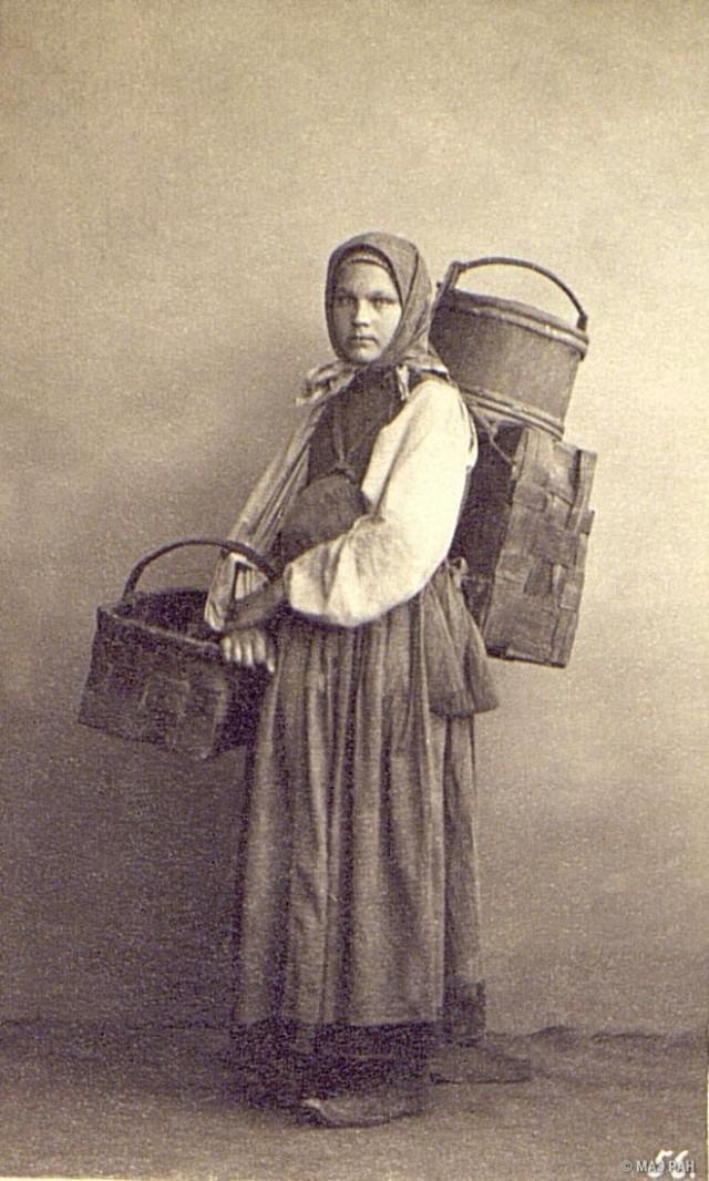 Продавщица селёдки. Санкт-Петербург, 1860-е. Автор В. А. Каррик