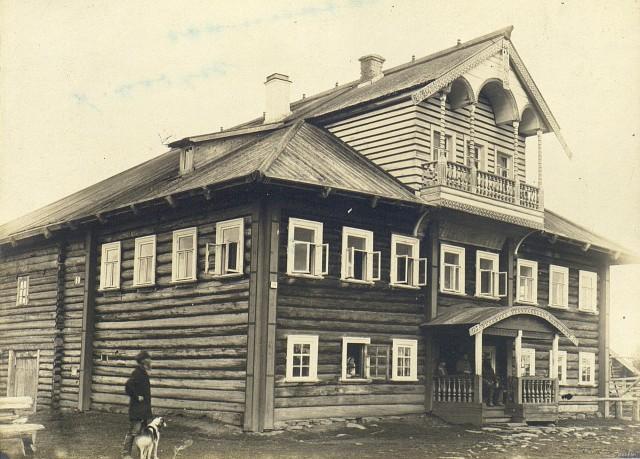 Дом богатого хозяина. Карелия, (Петрозаводский уезд), 1899. Автор М. А. Круковский
