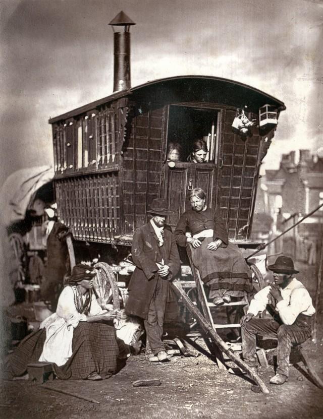 Лондонские кочевники, 1877. Автор Джон Томпсон