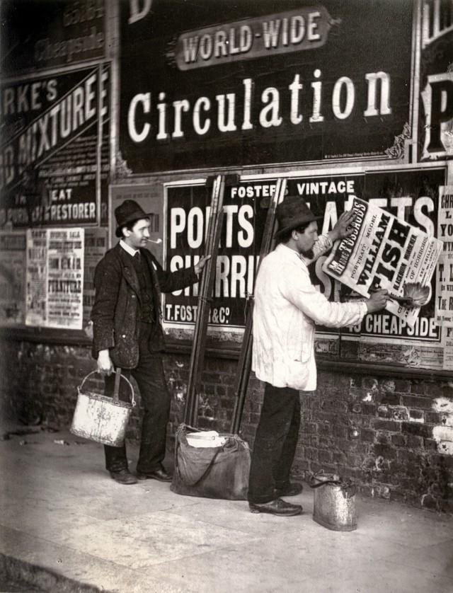 Уличная реклама, 1877. Автор Джон Томпсон