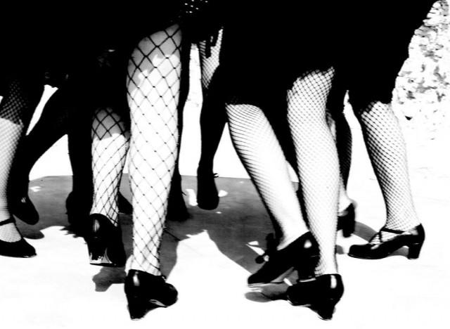 Женщины фламенко. Из книги «Mil Besos». Автор Рувен Афанадор (30)