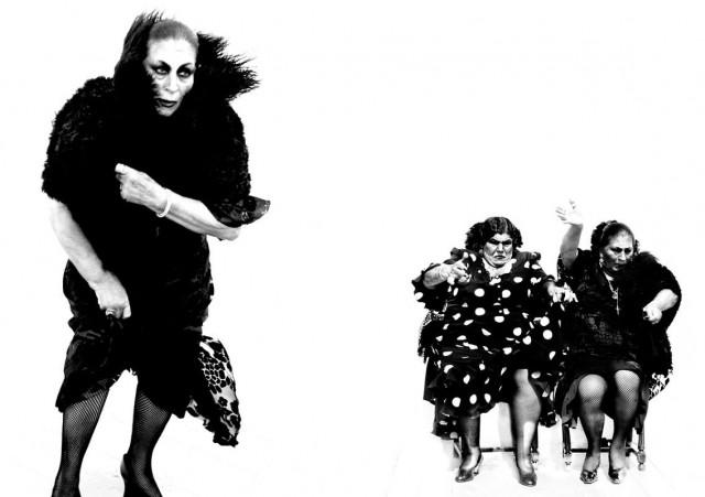 Женщины фламенко. Из книги «Mil Besos». Автор Рувен Афанадор (32)